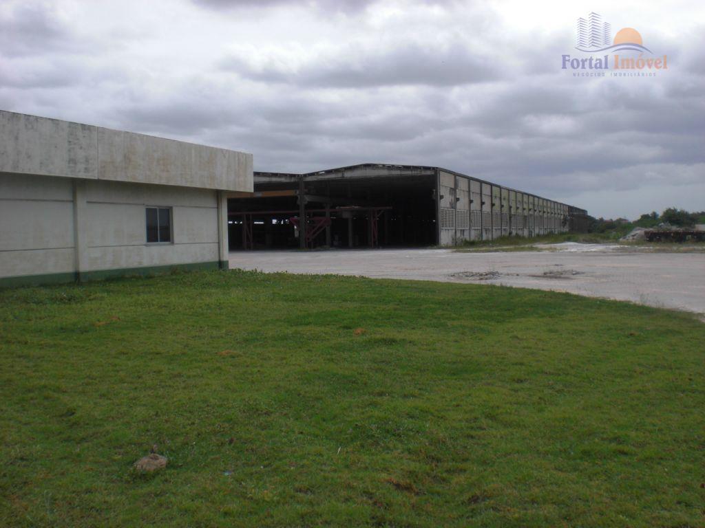 Terreno de 71.000m² com galpão no Maracanaú