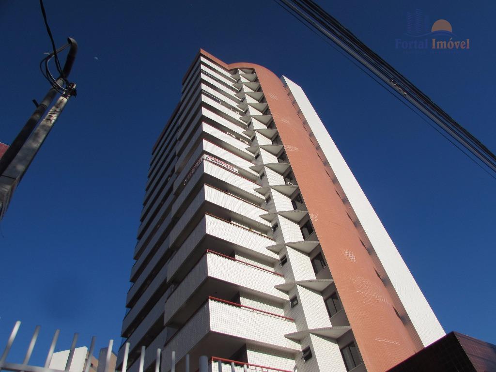 Excelente apartamento com 212m², 3 suítes, móveis projetados, 4 vagas, localização privilegiada no Cocó
