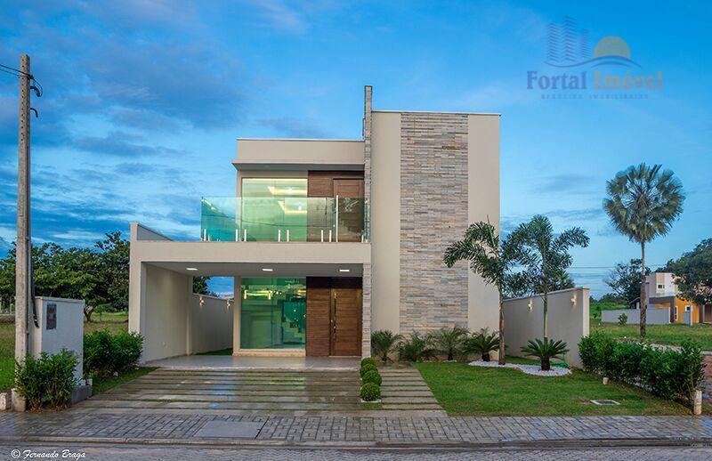 Belíssima casa duplex à venda, Centro, Eusébio.