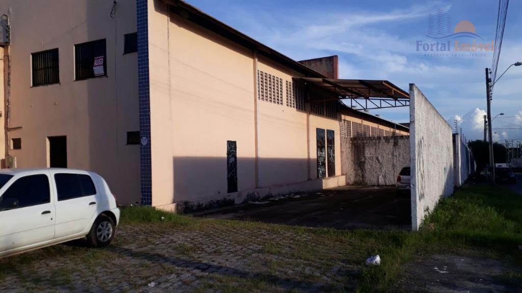 Galpão | Depósito 700m² comercial para locação, Messejana, Fortaleza.
