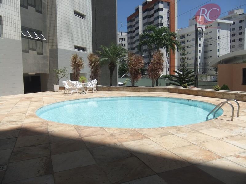 Apartamento residencial à venda, Cocó, Fortaleza - AP0002.