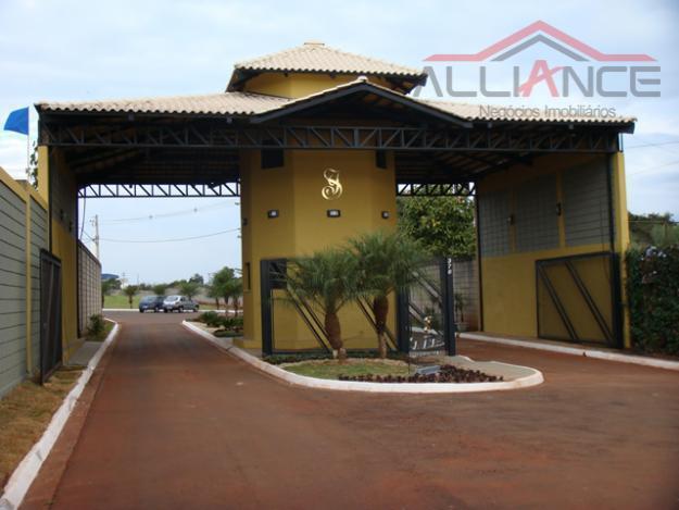 Excelente terreno à venda no Condomínio Santa Isabel.