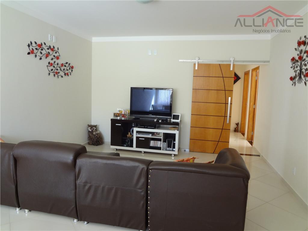 Excelente casa térrea à venda no Condomínio AURORA.