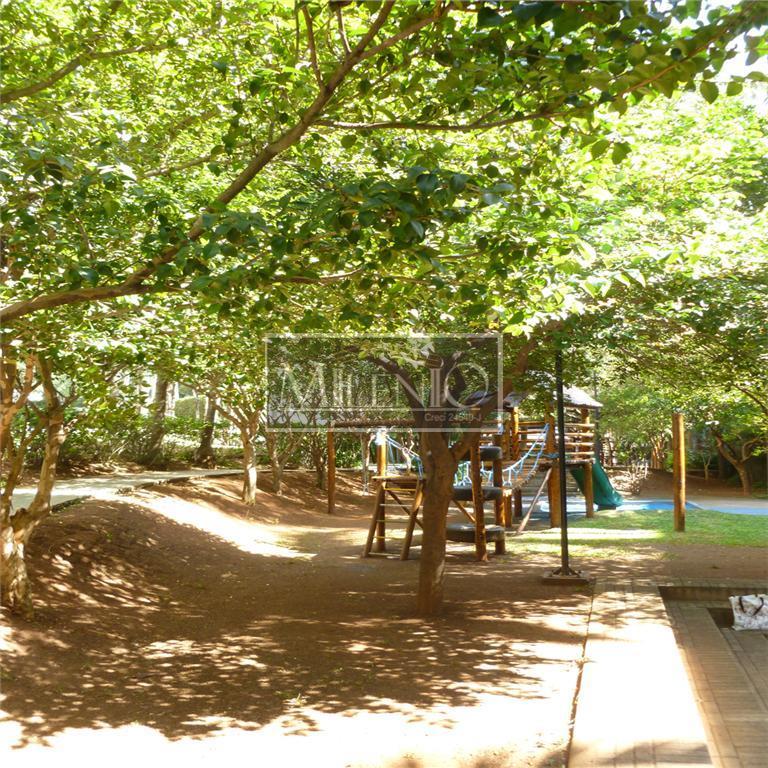 imóvel em localização privilegiada do real parque.condomínio altamente familiar, com excelente estrutura de lazer (quadras de...