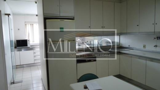 Apartamento de 4 dormitórios à venda em Itaim Bibi, São Paulo - SP