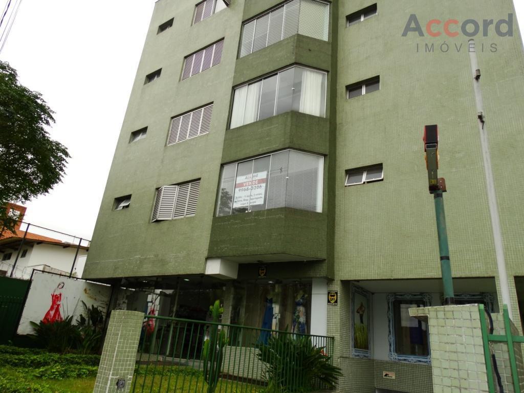 Excelente apartamento com 3 qts 1 suite e 2 vagas no Bigorrilho