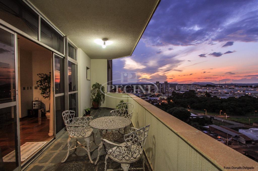 Apartamento duplex a venda, Jardim Claret, Rio Claro.