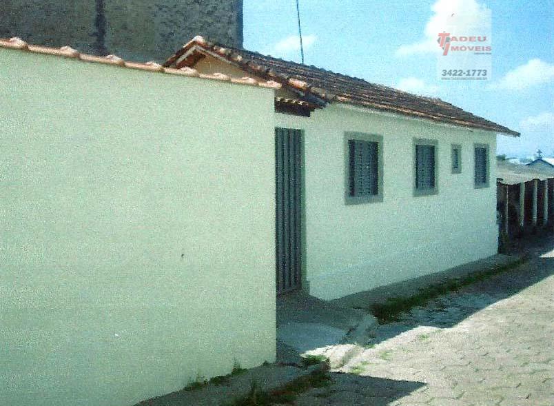 Casa residencial à venda, Centro, Pouso Alegre.