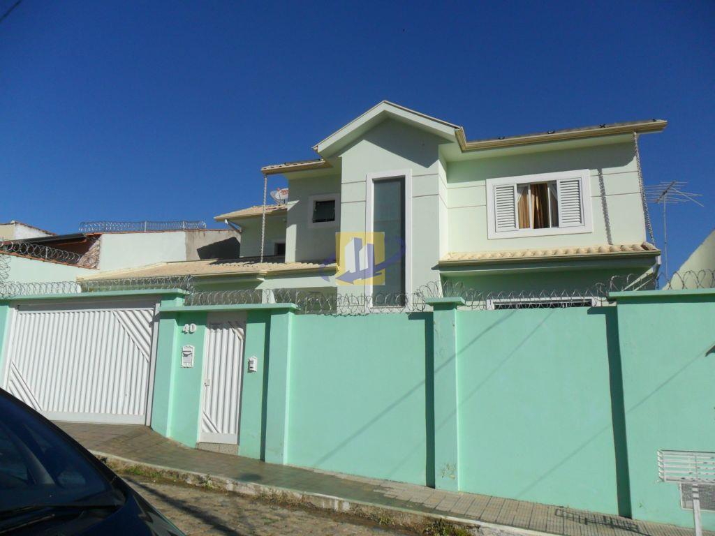 Sobrado residencial à venda, Oriente, Itajubá.
