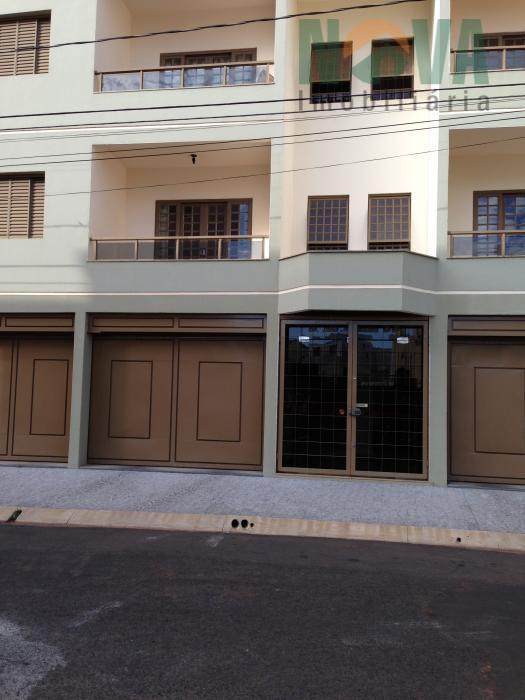 Apartamento residencial para locação, Jardim Santa Inez, Uberaba.