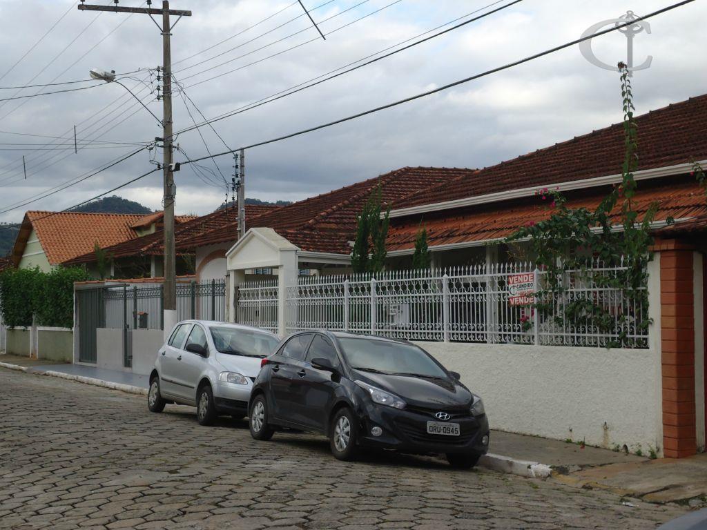Casa residencial à venda, Pinheirinho, Itajubá.