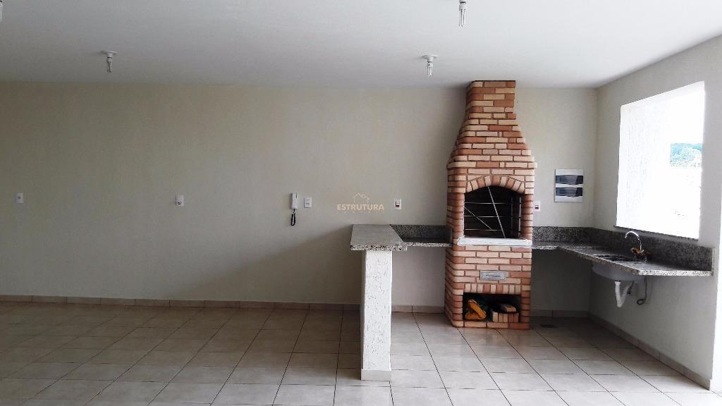 edícula: grande terreno, 1 dormitório com suíte, amplo salão, cozinha, lavanderia, banheiro externo, área de lazer...