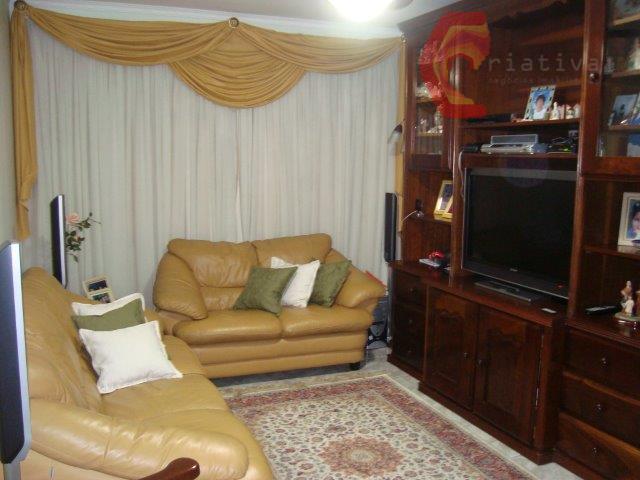 Casa de 3 dormitórios em Vila Ema, São Paulo - SP