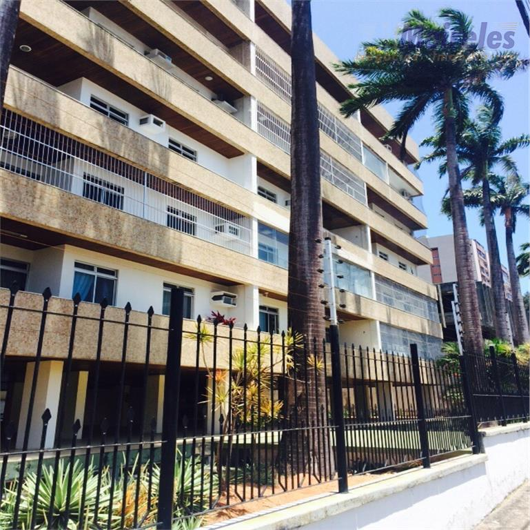 Amplo apartamento próximo ao Christus Anexo, Dionisio Torres, Fortaleza.