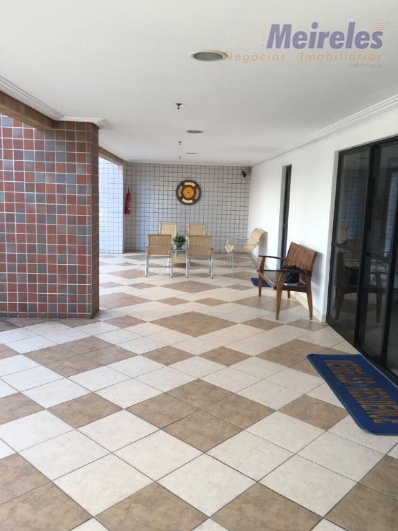 Apartamento no melhor do Meireles, 66 m², 3 quartos sendo 2 suítes, à 2 quarteirões da Av. beira Mar!