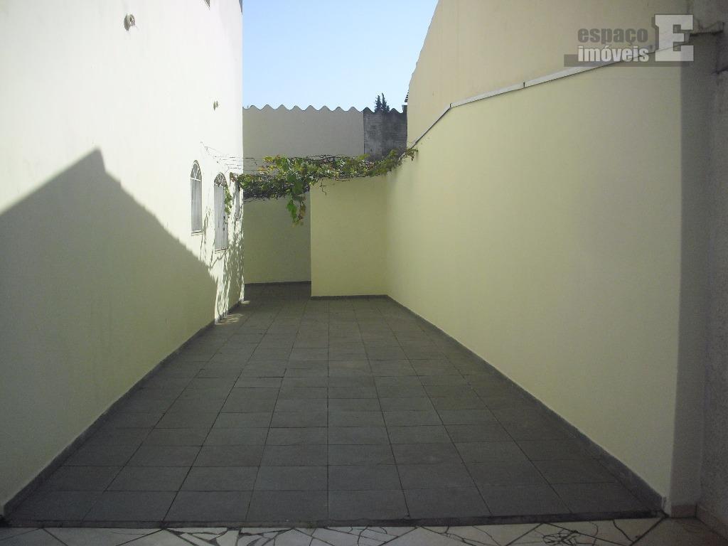 excelente sobrado, em ótimo local no bairro jardim eulina.possui 386 m² de terreno e 295 m²...