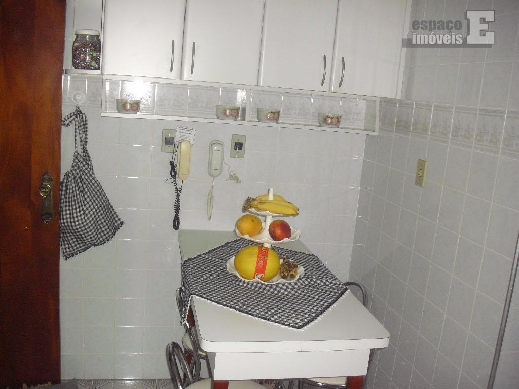 excelente apartamento no jd. chapadão com 190 m², próximo ao balão do castelo, em rua tranquila....