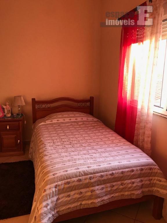 linda casa localizada no prost de souza, sendo 3 dormitorios com armarios de primeira linha, 1...