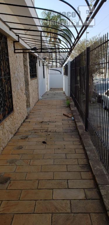maravilhosa esquina no bairro do castelo sendo, 6 salas, mais 1 sala externa, copa,3 wc, garagem...