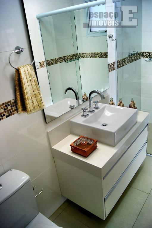 excelente casa no swiss park, ótimo condomínio e com melhor área de lazer. possui 03 suítes,...