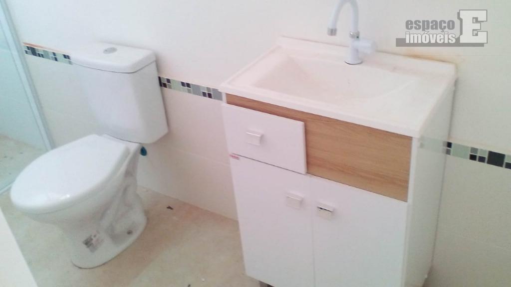 ótima casa com 03 dormitórios sendo 01 suite, cozinha com armários, wc social, área de serviço,...