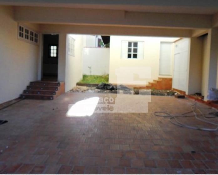 oportunidade! casa maravilhosa de alto padrão, com 1000 m² de terreno e 857 m² de construção....