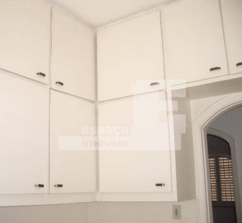 lindo sobrado com 3 suítes, sala para 3 ambientes, lareira, escritório, garagem para 4 carros e...