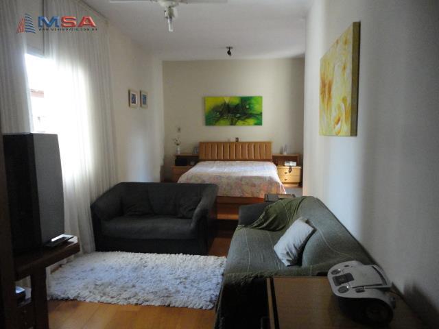 Casa de 4 dormitórios em Vila Romana, São Paulo - SP