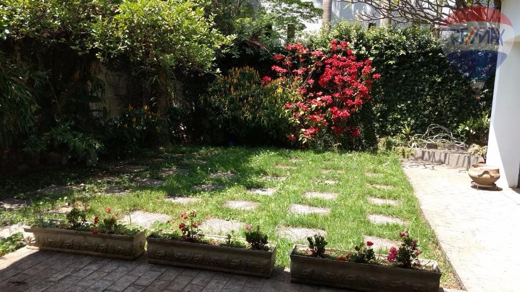 Vila Madalena sobrado com amplo jardim