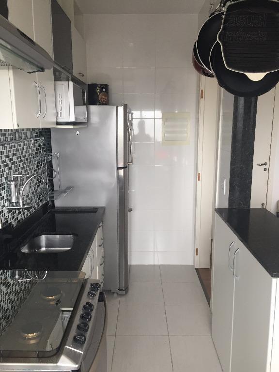 Apartamento de 2 dormitórios em Santa Cândida, Curitiba - PR
