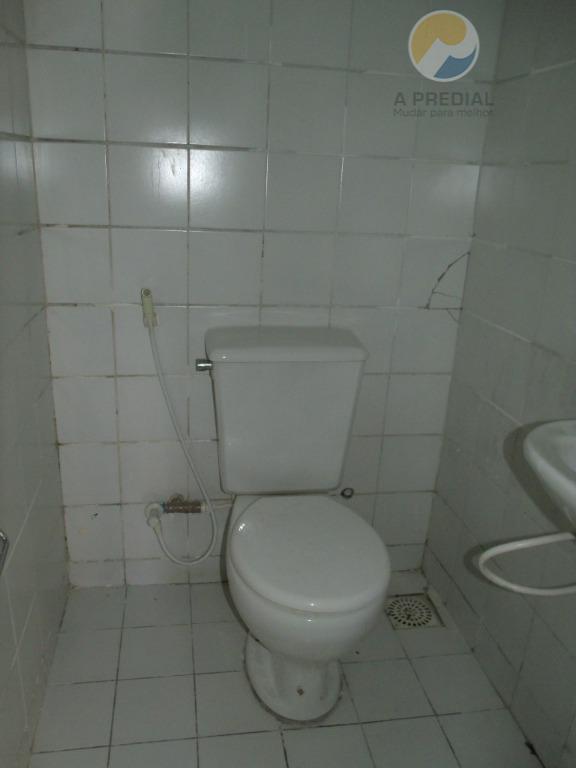 código 9419 (aldeota) r. torres camara, 100 loja 01 loja c/ 39,56 m², gabinete, banheiro social.obs:...