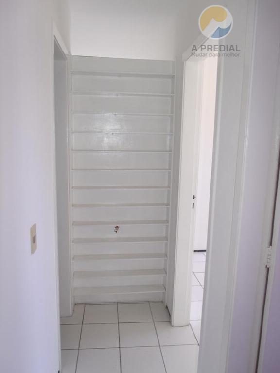 código: 7593 (aldeota) av. rui barbosa 1450 apto 1501 c/ 2 quartos sendo 1 suíte, area...