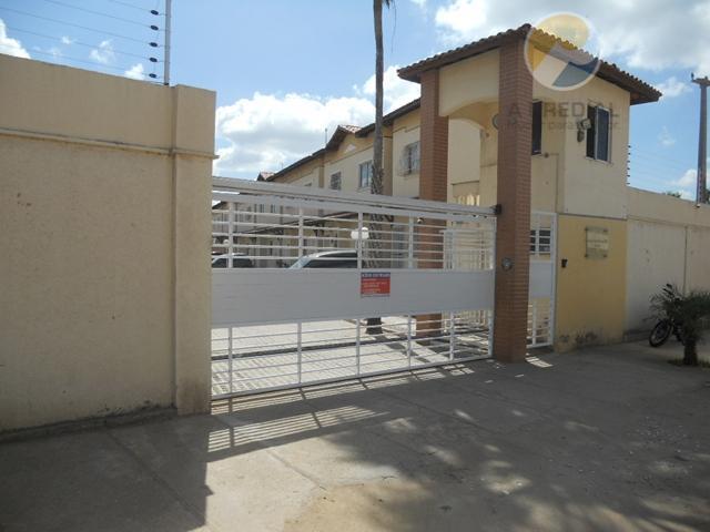 12044 (siqueira) r. osiá montenegro 215 casa 10 c/ 2 qtos sendo 1 ste, churrsq., despensa,...