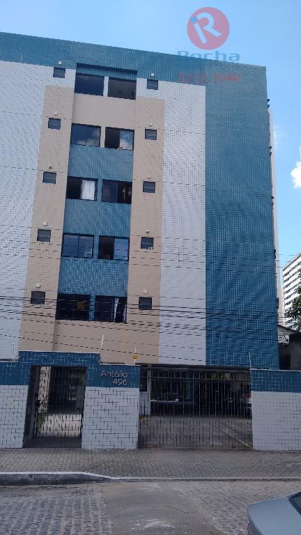 Apartamento residencial à venda, Torre, Recife - AP0079.