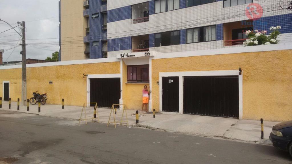 Apartamento residencial à venda, Campo Grande, Recife - AP0099.