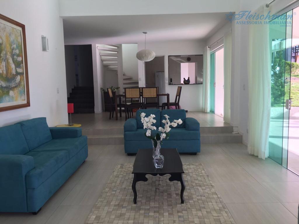 linda casa em gravatá com 6 quartos, sendo 5 suítes, 450m² de área construída, 1.000m² área...