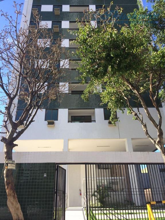 Apartamento residencial à venda, Madalena, Recife - AP1304.