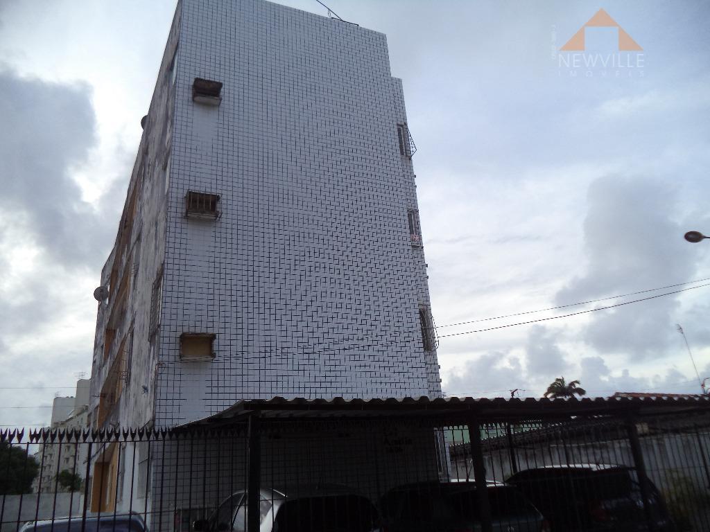 Apartamento residencial à venda, Candeias, Jaboatão dos Guararapes - AP0736.