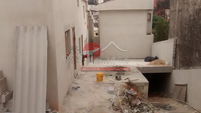 Sobrado de 2 dormitórios em Vila Franci, São Paulo - SP