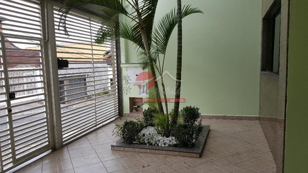 Sobrado de 4 dormitórios em Vila Paranaguá, São Paulo - SP