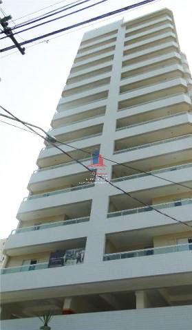 Apartamento 2 dormitórios à 2 quadras da praia.