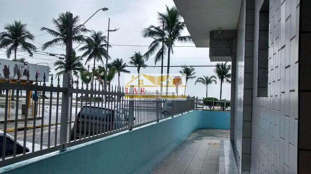 Kitnet  prédio FRENTE AO MAR à venda, Vila Guilhermina, Praia Grande.