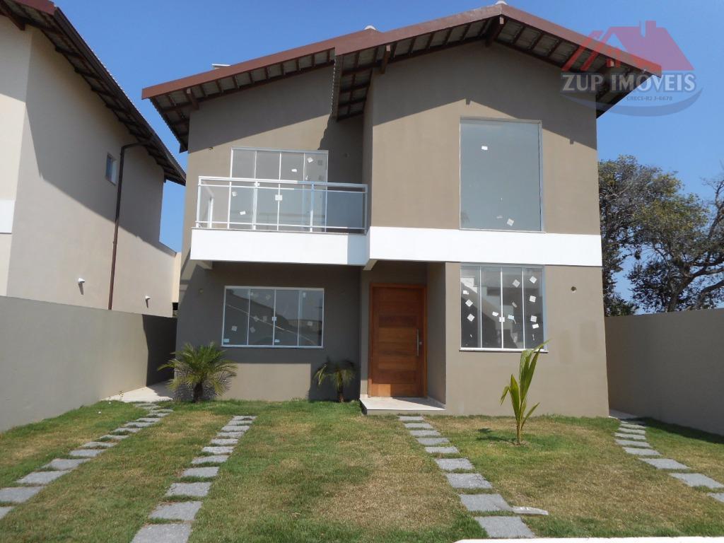 Duplex em condomínio no Centro de São Pedro.