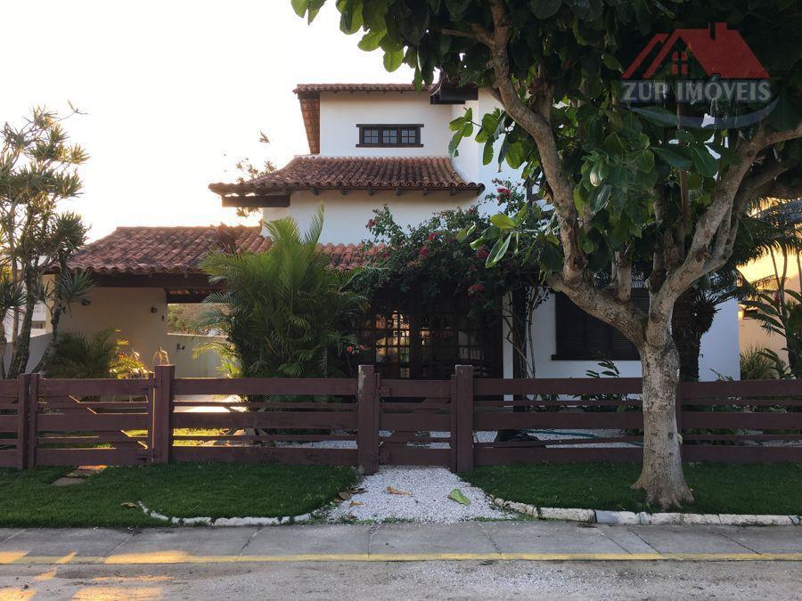 Duplex em Condomínio na beira da Lagoa!