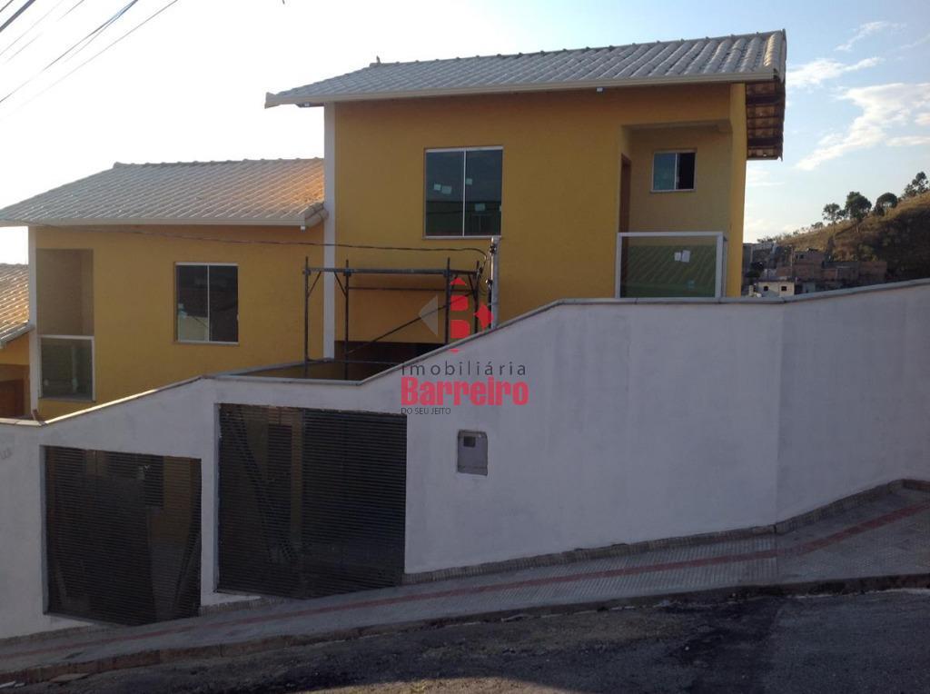 Excelente casa com suite e varanda