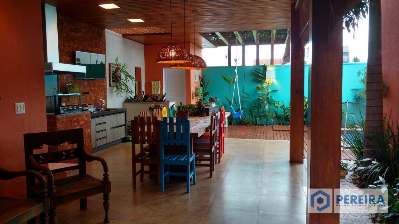 Casa residencial à venda, Residencial Jardins Athenas, Votuporanga.