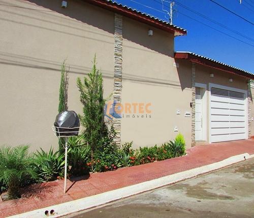 Casa residencial à venda, Centro, Serrana.