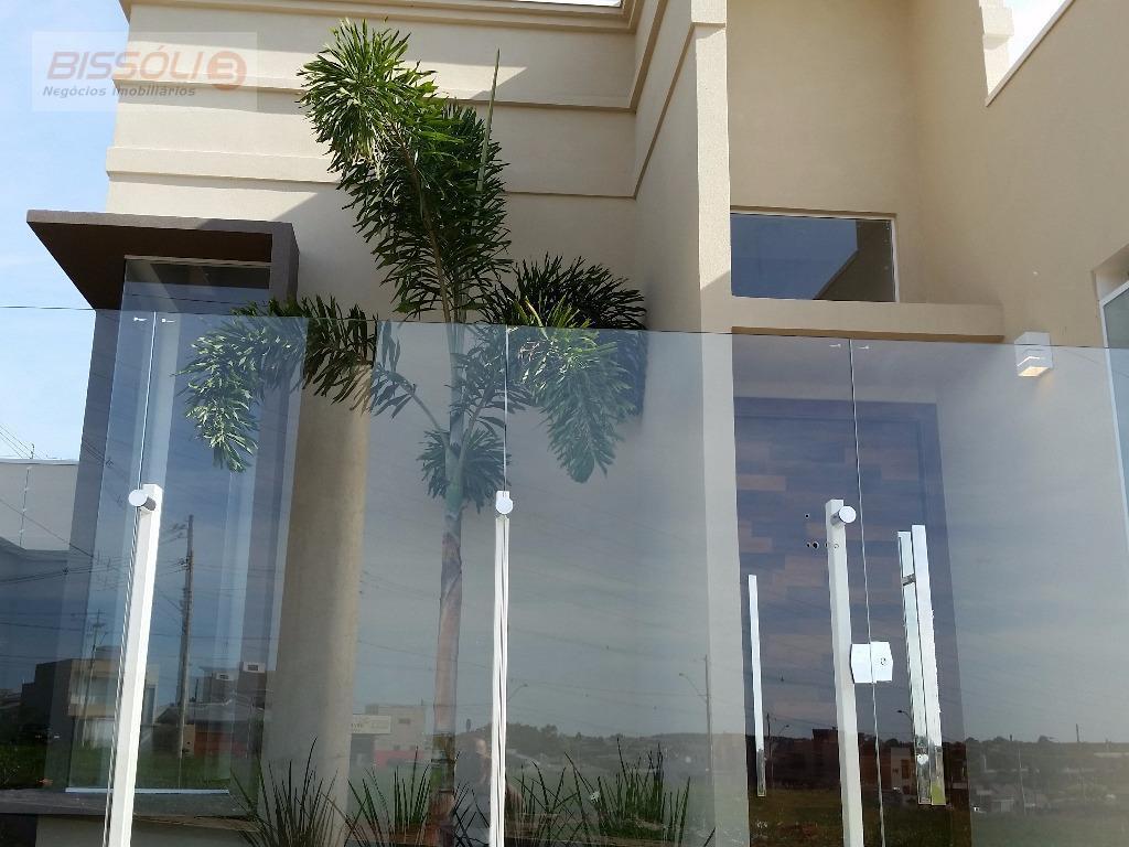 Casa moderna de alto padrão, Jardim Universitário, Votuporanga.