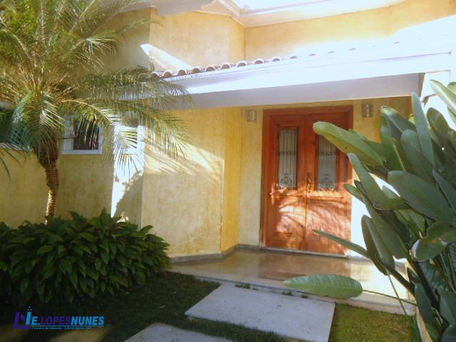Sobrado residencial à venda, Sumaré, Caraguatatuba - SO0021.