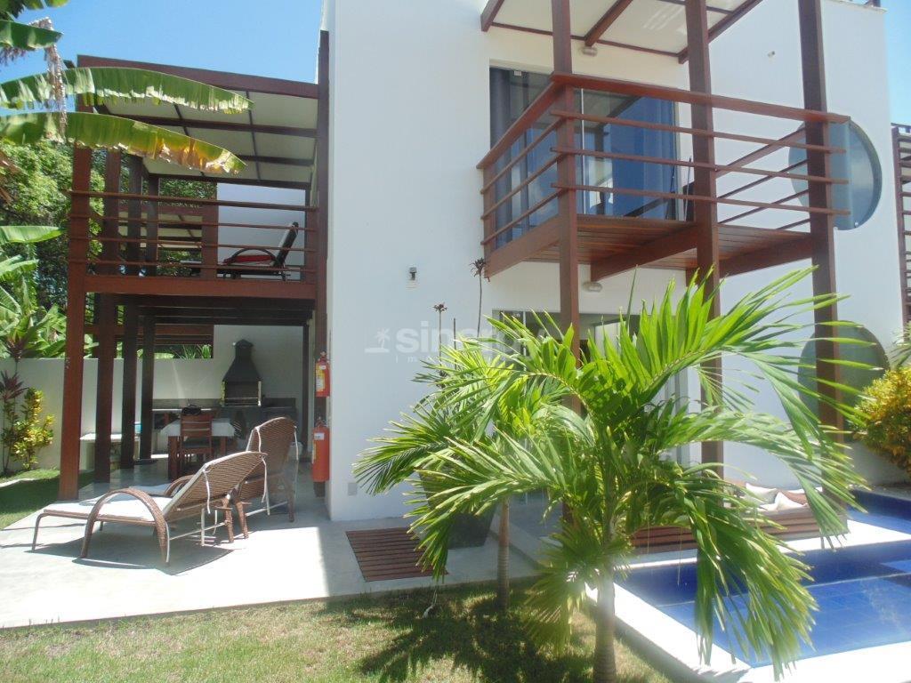 Casa moderna no centro de Pipa.